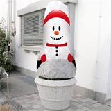 Die Vlieshaube Schneemann ist ein besonderer Anblick im Garten.