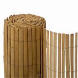 Die Bambusmatte Macao ist aus gespaltenen Bambushölzern gefertigt, die eine glattere Oberfläche zeigen.