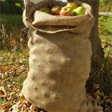 Lagern können Sie in diesen Säcken alles von Holz bis zu Früchten und Spielzeug.