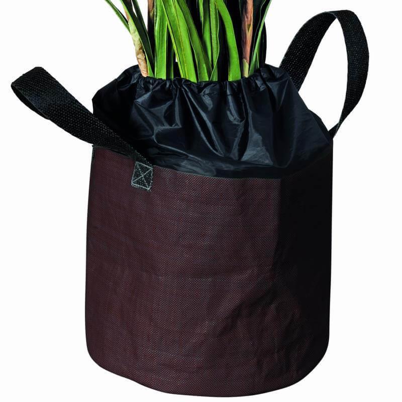 Der Winterschutz für Topfpflanzen aus isoliertem Material