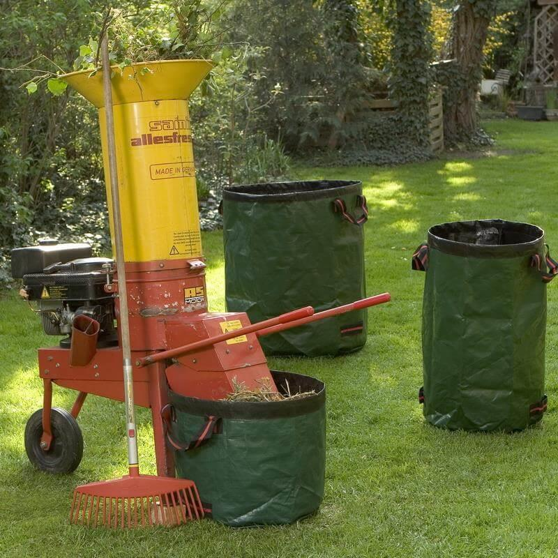 Häckselgut kann ideal mit dem Laubsack aufgesammelt werden