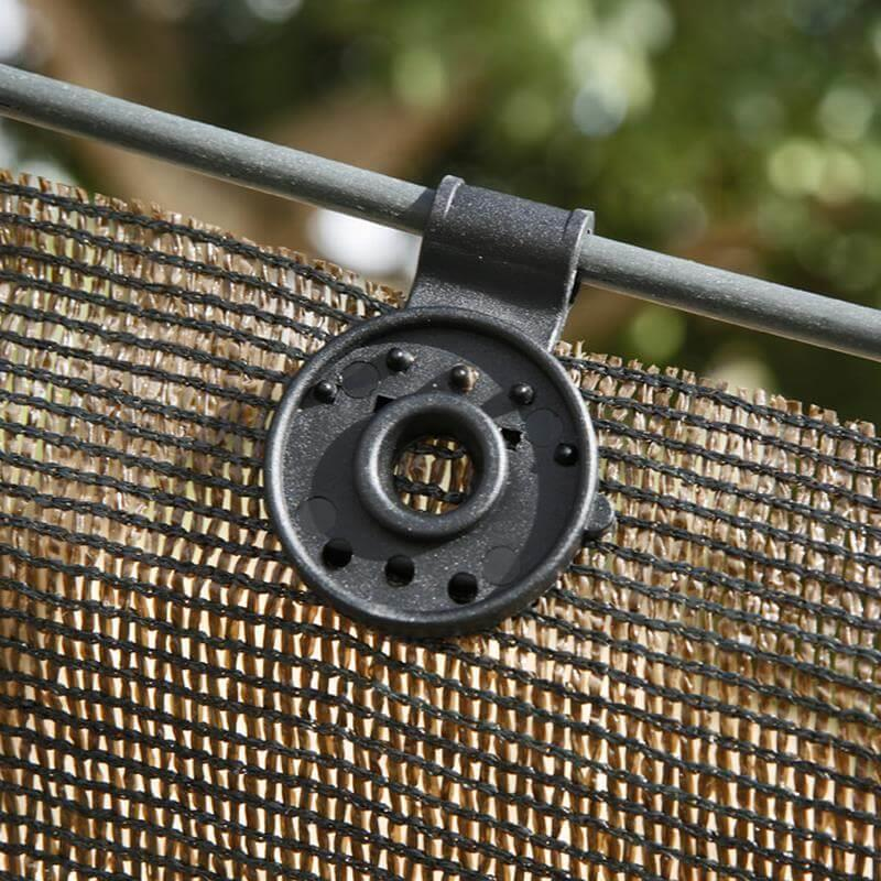 Ihren Sichtschutzzaun oder Ihr Schattiergewebe befestigen Sie am komfortabelsten mit Clipösen