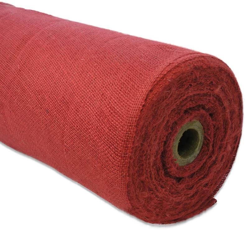 Dieses Jutegewebe ist rot eingefärbt direkt zur Weiterverarbeitung.