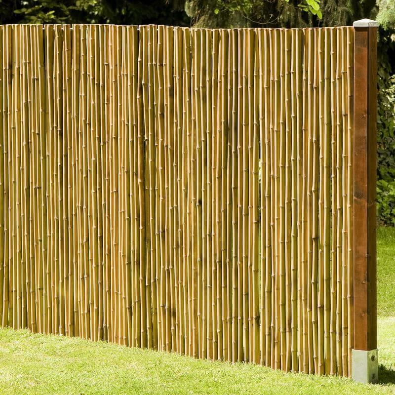 Im Garten, auf Balkon und Terrasse macht die schöne helle Bambusmatte eine gute Figur.