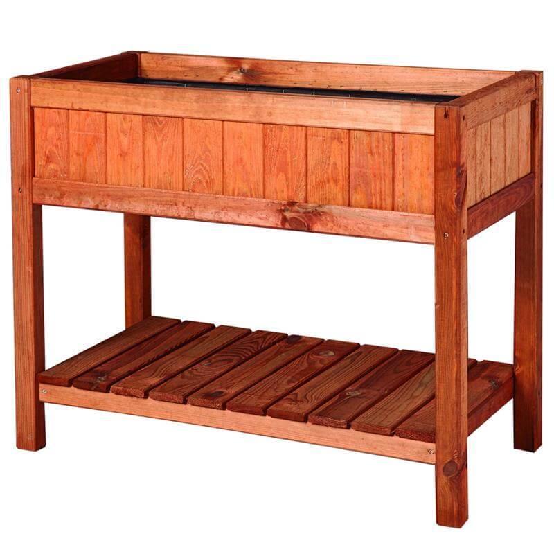 Das Beet aus Kiefer- und Fichtenholz ist sehr gut für jeden Balkon.
