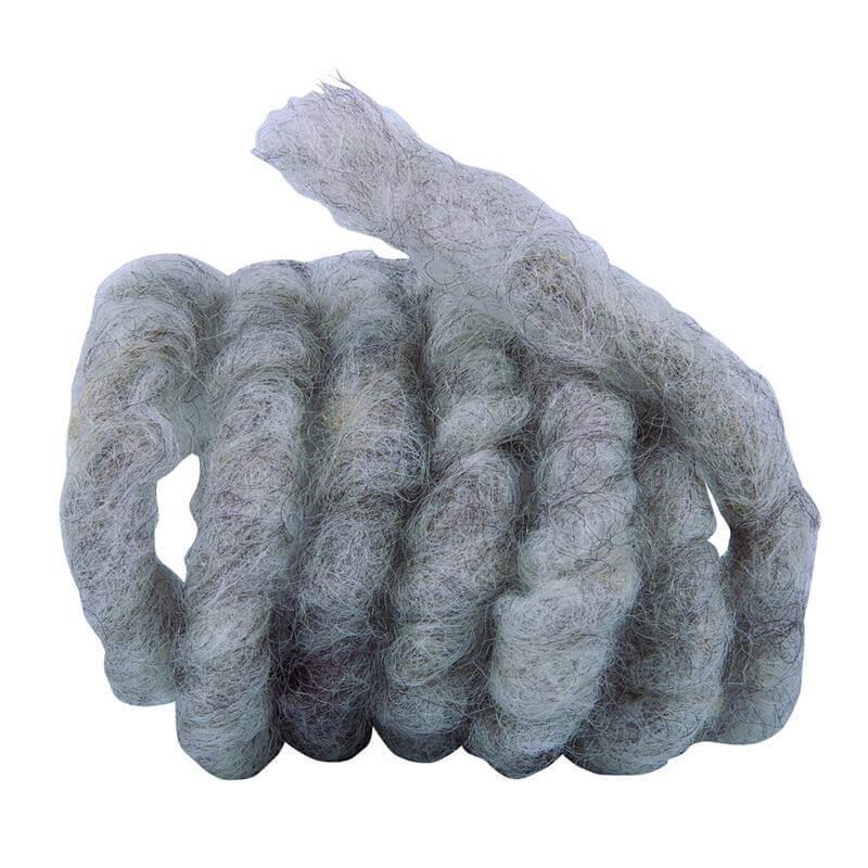Diese Schnur aus Schaffell in grau - braun ist super für Winterschutzmatten.