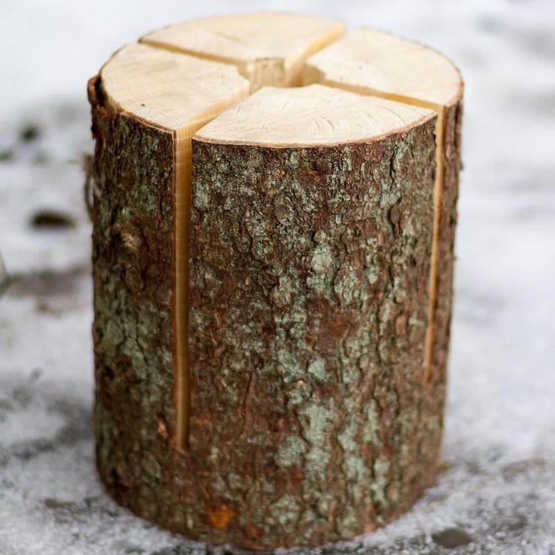 Das Schwedenfeuer ist ein eingeschnittener Holzstamm.