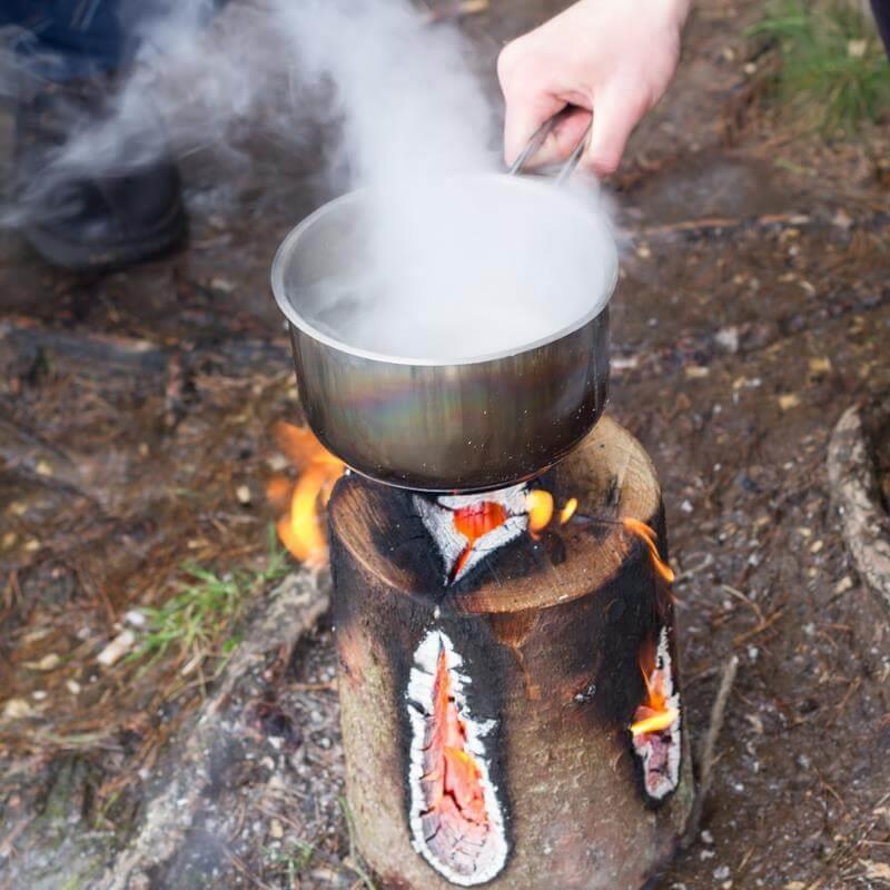 Tolle Atmosphäre im Garten oder beim Camping damit kochen.